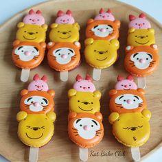 18 отметок «Нравится», 1 комментариев — KatBakeClub (@katbakeclub) в Instagram: «เปลี่ยนแบบไปเรื่อยๆ เดี๋ยวคนทำเบื่อ Macaronpop #macaron #poohbear #tiger #piglet»
