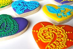 Wow! Beautifully decorated cookies inspired by henna tattoo designs.  ~sjf