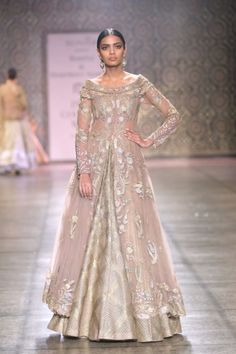 Rimple and harpreet narula india couture week 2016 pakistani wedding outfits, pakistani dresses, indian New Bridal Dresses, Indian Gowns Dresses, Pakistani Dresses, Modest Dresses, Stylish Dresses, Wedding Dresses, Pakistani Wedding Outfits, Indian Bridal Outfits, Indian Bridal Fashion