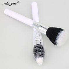 187 Duo Fibre Face Stipple Brush Multipurpose Makeup Brush For Foundation Powder Blusher