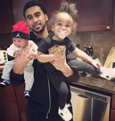 Adam and his babies Samia and Zayn Cute Family, Baby Family, Family Goals, Family Kids, Cute Kids, Cute Babies, Father And Baby, Fathers Love, Black Fathers