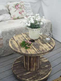Cable spool love this my parents had one for a coffee table in their first house. Always wanted one I have 2 Diy Cable Spool Table, Wooden Spool Tables, Wooden Cable Spools, Wood Spool, Spools For Tables, Cable Spool Ideas, Sewing Tables, Cable Reel, Cable Drum