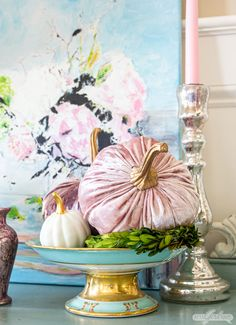 Who says pumpkins have to be orange? If traditional autumn colors don't work in your home you'll love these foyer decorating ideas featuring pastel colors velvet pumpkins mercury glass gilding and vintage items Painting Moving Decor and Organization Homemade Halloween Decorations, Cool Halloween Costumes, Fall Halloween, Halloween Ideas, Diy Home Decor On A Budget, Fall Home Decor, Pumpkin Crafts, Fall Crafts, Diy Crafts