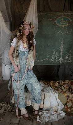 Supply Co. Sanforized Cotton Denim Overalls in Union Pacific.Magnolia Pearl In Union Pacific: The stripes are more pronounced and so a little darker than the Railroad, One Size Other Sanforized pants and overalls in other lists Magnolia Pearl, Edgy Outfits, Cool Outfits, Fashion Outfits, Cute Overalls, Denim Overalls, Shorts, Estilo Hippie Chic, Hippie Style Clothing