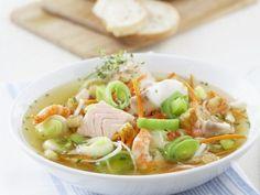Fischsuppe mit Gemüse und Croutons ist ein Rezept mit frischen Zutaten aus der Kategorie Fisch. Probieren Sie dieses und weitere Rezepte von EAT SMARTER!