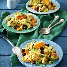Couscoussalat mit Möhre, Blumenkohl, Petersilie und Cranberrys Rezept | LECKER