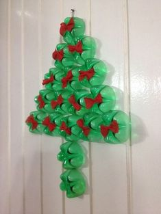 Christmas is one of the most important dates of the year and that is why we pay so much attention to the decoration of the house at that time. Christmas Tree Advent Calendar, Christmas Crafts For Kids, Christmas Art, Christmas Projects, Beautiful Christmas, Decor Crafts, Holiday Crafts, Christmas Ornaments, Recycled Christmas Decorations