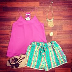 Color Me Happy in this cute outfit! Perfect for any sunny day activity! Southernswankboutique.com
