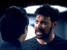 無精髭でもライカー副長はかっこいい