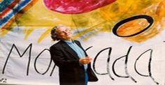 """Moncada ci ha lasciato nel 2012 a 80 anni ma il suo ricordo non è svanito perché in tanti lo hanno conosciuto come ideatore della """"pont art"""", una tecnica di pittura sui ponteggi cittadini e su strutture temporanee in genere, opere che hanno caratterizzato i portici meridionali di Piazza Duomo a Milano nel 1982, grandi teli di plastica adoperati come tele dall'artista che in quell'occasione coniò la definizione """"pont art"""","""