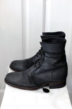 Carpe Diem S23M 5-hole boot. Waxed reveresed calf leather boots.