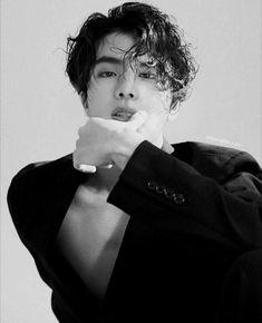 "- ""This Jin with this Jimin, I can just imagine the long night . Jimin, Bts Jin, Bts Taehyung, Bts Bangtan Boy, Bts Jungkook, Seokjin, Namjoon, K Pop, Foto Bts"