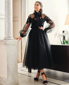 Sonam Kapoor Looked Like Black Magic in Tulle Dress From Elie Saab& Collection in 2020 Tulle Dress, Dress Skirt, Lace Dress, Chic Outfits, Dress Outfits, Fashion Dresses, Dress Shoes, Elie Saab, Engagement Dresses