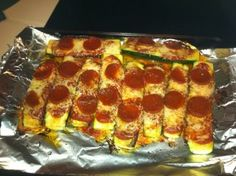Zucchini Pizza Boats - perfect for picky eaters, kids and adults alike! Click for the link for the recipie. #pizza #healthy