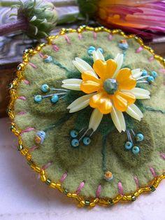 All sizes | felt flower pin | Flickr - Photo Sharing!