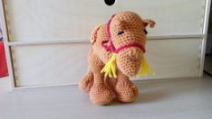 Staande kameel, voorkant Dinosaur Stuffed Animal, Toys, Animals, Activity Toys, Animales, Animaux, Toy, Animal Memes, Animal