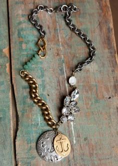 anchor <3 Necklace Jewelry Crafts, Jewelry Box, Jewelry Watches, Jewelry Necklaces, Jewelery, Beautiful Outfits, Anchors, Bling Bling, Sparkles