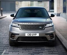 It´s Official! Land Rover have introduced their boldest new the Range Rover Velar. This is the fourth Range Rover model, it fits between the Evoque and Range Rover Sport in size and price. The brand-new Velar SUV is powered by a choice of five h Volkswagen Touran, Range Rover Sport, Red Range Rover, Range Rover Supercharged, Land Rovers, Ranger, Used Electric Cars, Diesel, Carros Premium