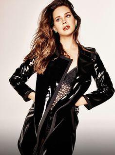 Lana Del Rey wearing leather.