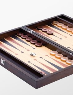 Deri ve ahşabın muhteşem uyumu... El yapımı tavla / backgammon