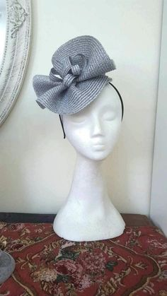 Gray silver fascinator hats Derby hat for women Avant garde Silver Fascinator, Fascinator Headband, Fascinator Hairstyles, Fascinators, Headpieces, Navy Wedding Hat, Wedding Hats, Sombreros Fascinator, Royal Ascot Hats