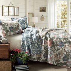 Sydney Green And Blue Three Piece Full/Queen Quilt Set Lush Decor Quilt Set Quilts & Bedsp King Quilt Sets, Queen Quilt, King Quilts, Country Cottage Bedroom, Cottage Style, Cottage Bedrooms, Country Cottages, Sydney, Bed Sets