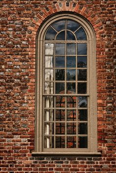 Love this brick and color windows................Bruton Parish Window, Colonial Williamsburg