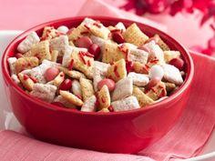 Valentine Chex Mix (Gluten Free) on www.stockpilingmo...