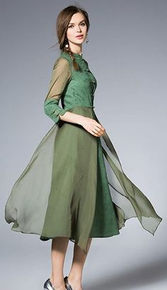 Green Frogs 3/4 Sleeves Midi Dress