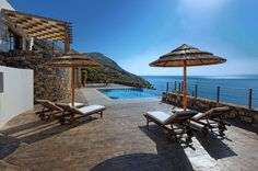 8 Luxury Villa in Crete for Rent or for Sale