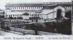 1913 Χανιά , η δημοτική Αγορά τελείωσε και είναι σε λειτουργία, δίπλα η τάφρος μπαζώνεται σιγά σιγά.