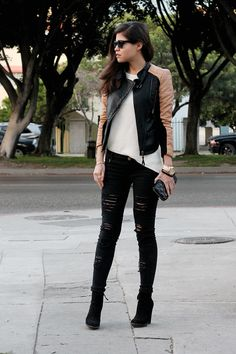 fake leather blog adriana gastelum zara knit jumper sweater biker two-toned jacket ripped jeans marc jacobs clutch suede booties