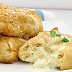 Chicken With Crescent Rolls: This chicken and cream cheese crescent roll recipe is delicious! It an easy dinner idea that makes a great party food, too. Chicken Crescent Rolls, Cream Cheese Crescent Rolls, Recipes Using Rotisserie Chicken, Chicken Recipes, Chicken Ideas, Roll Ups Recipes, Easy Recipes, Kraft Recipes, Crescent Roll Recipes