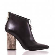 9503 Negru cu accesoriu Leather Shoes, Booty, Ankle, Fashion, Leather Dress Shoes, Moda, Leather Boots, Swag, Wall Plug