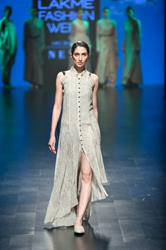 Complete collection: Integument at Lakmé Fashion Week summer/resort 2019 India Fashion Week, Lakme Fashion Week, Runway Fashion, Fashion Show, Casual Indian Fashion, Indian Designer Wear, Bollywood Fashion, Designer Dresses, Couture
