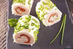 Rotolini di pane al salmone