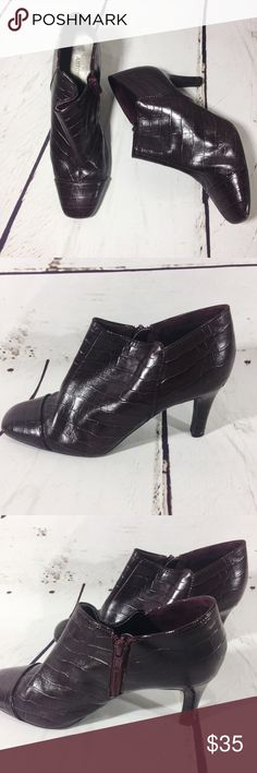 """{ANTONIO MELANI} Purple Ankle Booties Size 7 Adorable croc embossed dark purple ankle booties by Antonio Melani.  Stiletto heels . Zips at the inner ankle .   Square toe.  Leather upper .  4"""" heels .  Some wear on back of heels as shown. ANTONIO MELANI Shoes Heeled Boots"""