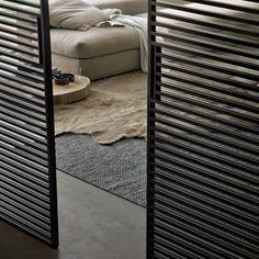Stripe sliding doors by Rimadesio Sliding Door Panels, Sliding Door Window Treatments, Sliding Door Design, Discount Interior Doors, Interior Barn Doors, Interior Exterior, Interior Design, French Interior, Porte Design
