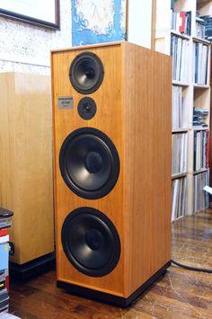 Audiophile Speakers, Hifi Audio, Audio Speakers, Stereo Speakers, Diy Subwoofer, Subwoofer Box Design, Speaker Box Design, High End Speakers, High End Audio