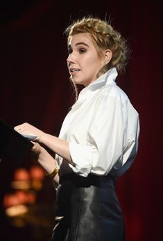 Zosia Mamet Photos - Actor Zosia Mamet speaks onstage during the 2017 MAKERS Conference Day 1 at Terranea Resort on February 2017 in Rancho Palos Verdes, California. - The 2017 Makers Conference Day 1 Zosia Mamet, Popped Collar, Polo Shirt Women, Conference, Chef Jackets, White Blouses, Actors, Sexy, Womens Fashion