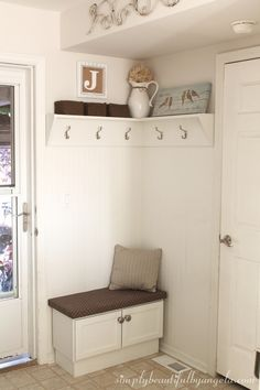 Under The Stairs Mudroom Benches 70 Trendy Ideas Mudroom Bench Benches Ideas Mud Mudroom Bench Bench Benches Ideas Mud Mudroom stairs Trendy Corner Seating Kitchen, Corner Bench Seating, Kitchen Corner, Corner Hall Tree, Room Corner, Corner Wall, Diy Coat Rack, Small Rooms, Home Remodeling