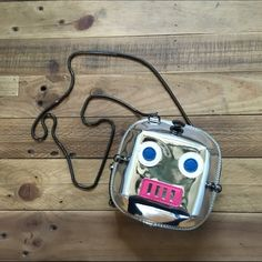 ✨Host Pick✨NWOT robot handbag New and unused robot purse. Adorable! Sold out in store and online. No PP or trades. Will consider offers. Topshop Bags Crossbody Bags