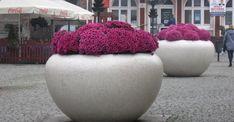 Fioriere Antiterrorismo in cemento e marmo prodotte in Italia da Bellitalia per Arredo Urbano. #grandifioriere Street Furniture, Flower Boxes, Bean Bag Chair, Beautiful Homes, Design, Home Decor, Container Plants, Italy, Window Boxes
