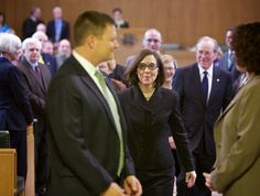 Live updates: Kate Brown becomes Oregon governor | OregonLive.com