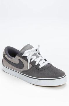 Nike 'Mavrk Low' Sne #nike #nikesports #nikemen #nikesportwear #nikeman