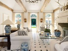 Ralph Lauren's Bedford, New York pool house is outfitted with Chinese vessel lamps.Photo Björn Wallander via Architectural Digest. Architectural Digest, Ralph Lauren House, Ralph Lauren Home Living Room, Bedford New York, Interior Exterior, Interior Design, New York Homes, Celebrity Houses, Pool Houses