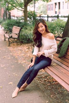 cozy striped sweater // casual fall fashion outfit ideas