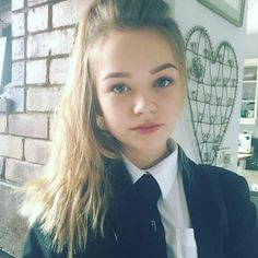 Instagram media officialconnietalbot - Late for school messy hair day School Uniform Outfits, School Outfits Highschool, Cute School Uniforms, Girls Uniforms, College Uniform, Uniform Ideas, School Girl Dress, School Dresses, Hot Teens