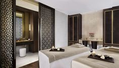 The perfect relaxing experience begins with the signature Vienna Chic massage in a luxuriously appointed Spa Suite featruring a steam room and whirlpool bathtub at The Ritz-Carlton, Vienna.