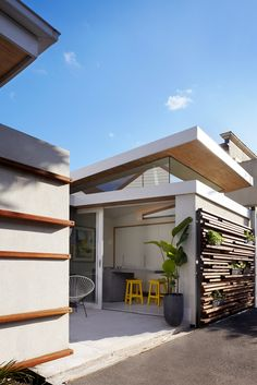 Pickles & Rouse House was until recently the home of Melbourne-based architects, Jo and Harry Lambis, who renovated their 100-year-old Victorian house to make way for an open living space and some much-needed light.